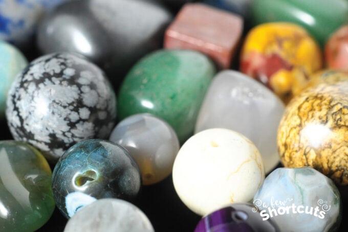 natural-gemstones-680×454